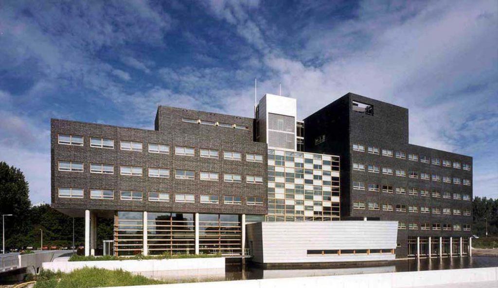 2 OPLarchitecten_Amsterdam Noord stadsdeelhuis 1516×878-72dpi