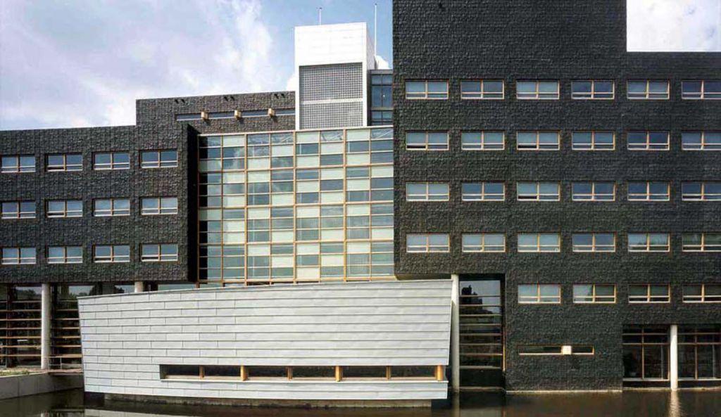 3 OPLarchitecten_Amsterdam Noord stadsdeelhuis 1516×878-72dpi